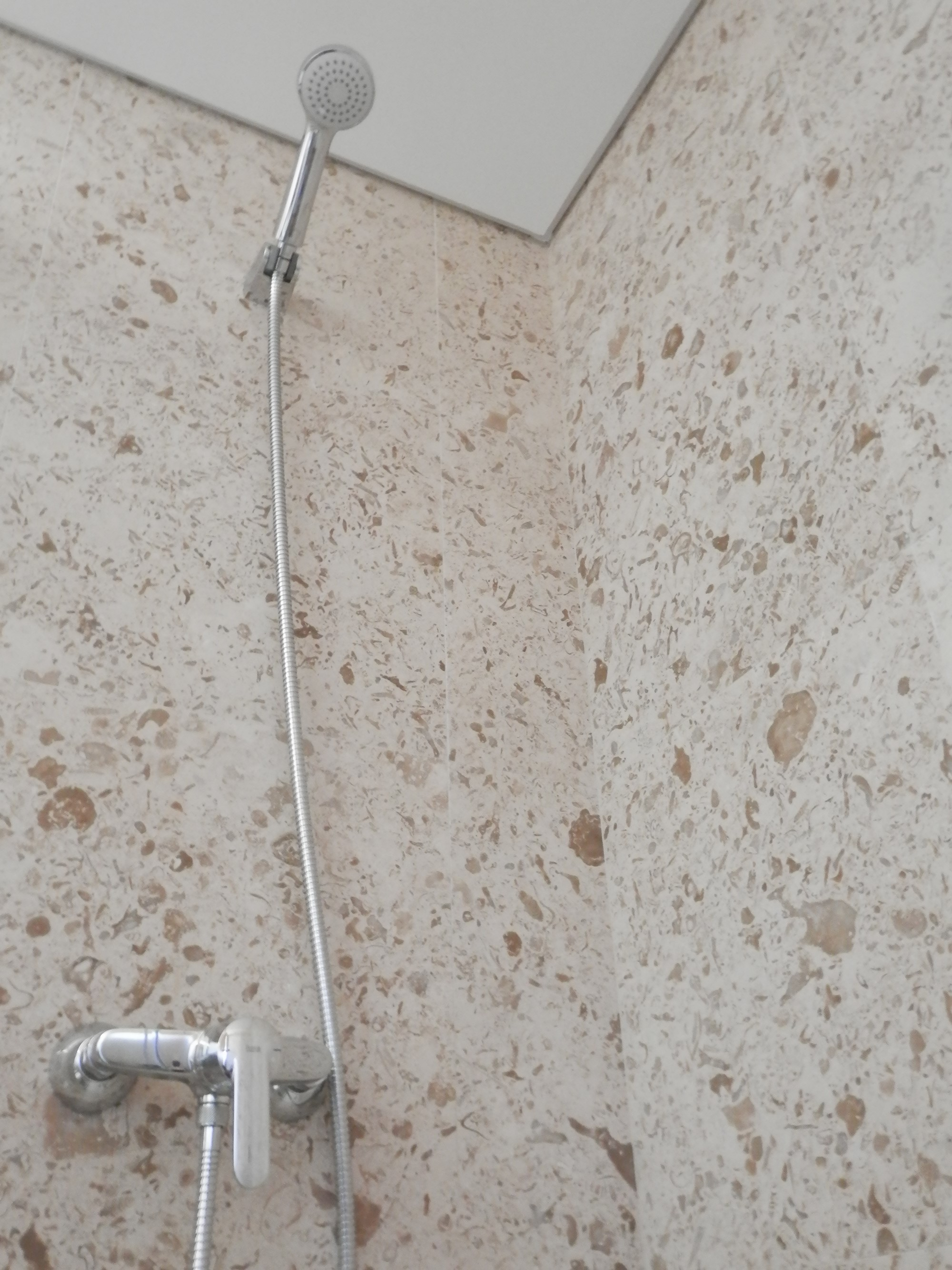 Fossils limestone bathroom coverings